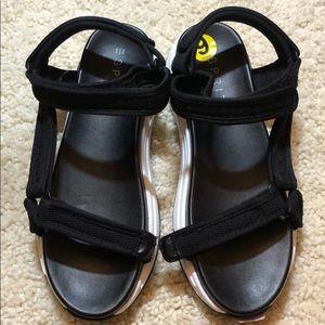 Esprit Black and White Velcro Summer Sandals size9